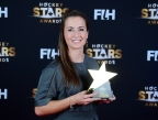 BERLIJN - FIH Hockey Stars Awards Foto: Female Goalkeeper of the Year Maddie Hinch with Delf Ness WORLDSPORTPICS COPYRIGHT FRANK UIJLENBROEK