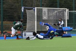 Alan-Forsyth-scores-the-third-goal-1