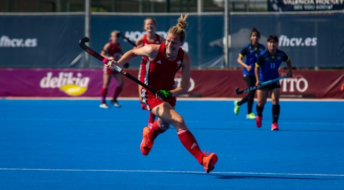 Wales move to top of Pool B, while South Africa beat Italy in close encounter.